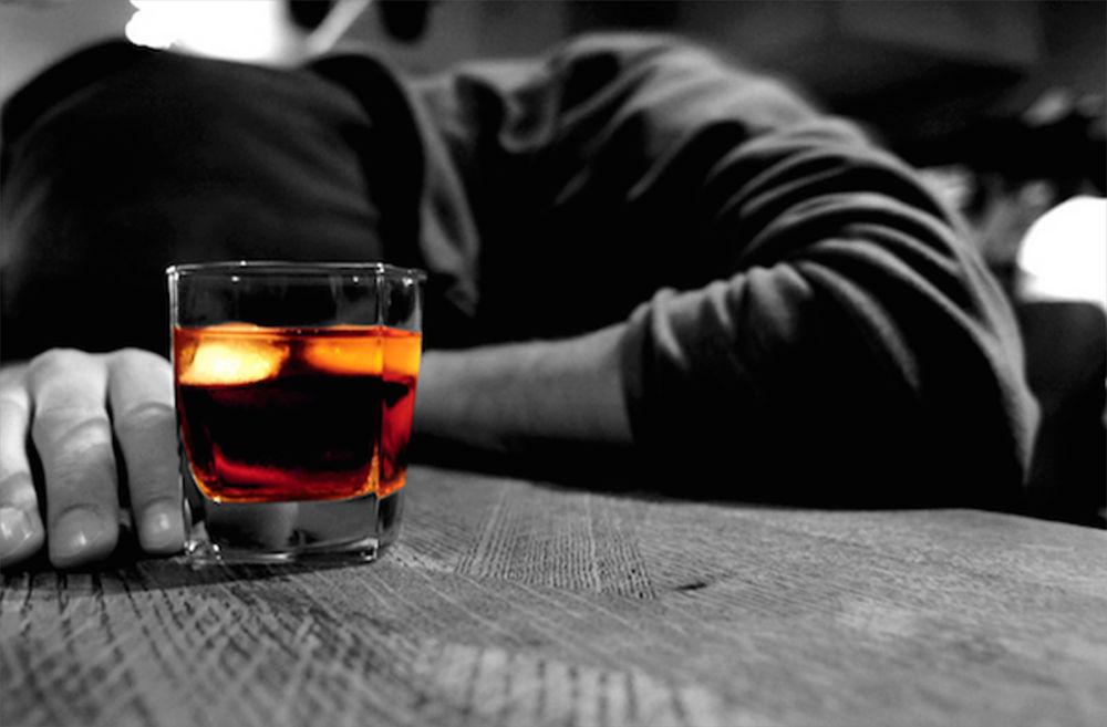 Алкоголь провоцирует инсульт