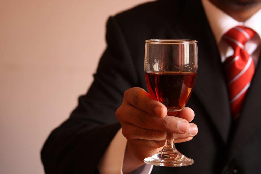 Алкоголь снижает стресс