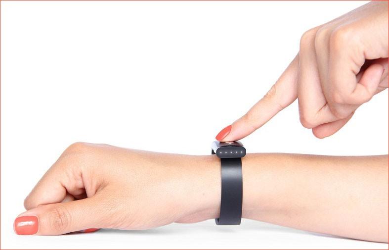 Изображение - Прибор для мониторинга артериального давления umnij-braslet-na-ruke
