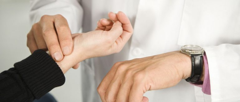 Измерение ЧСС врачом