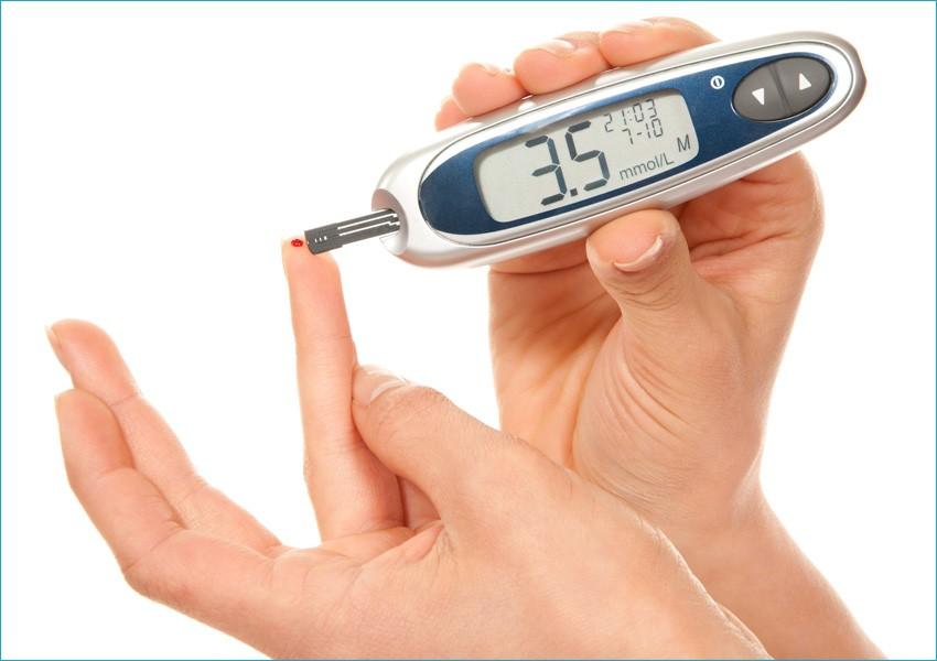 Медицинский прибор глюкометр