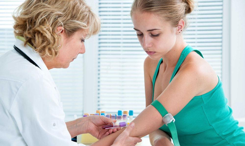 Взятие анализа крови у беременной